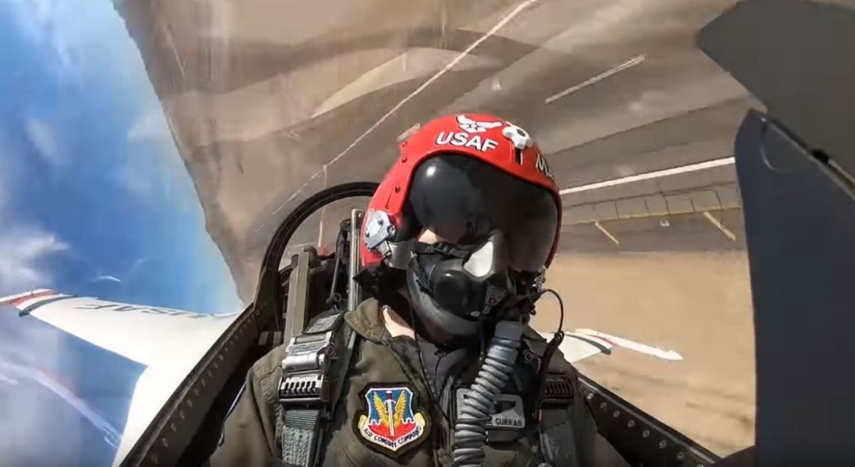 VIDEO - TAKE A RIDE WITH THIS BADASS LADY; CAPTAIN MICHELLE 'MACE' CURRAN FROM THE USAF THUNDERBIRDS